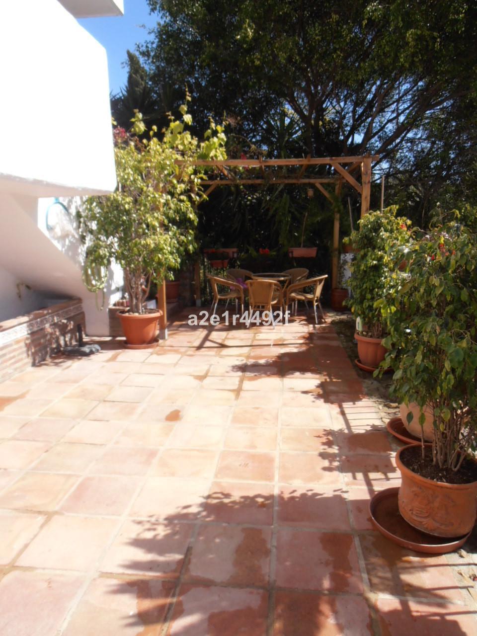 Townhouse, Marbella, Costa del Sol. 4 Bedrooms, 4 Bathrooms, Built 200 m², Terrace 30 m². Divided ov,Spain