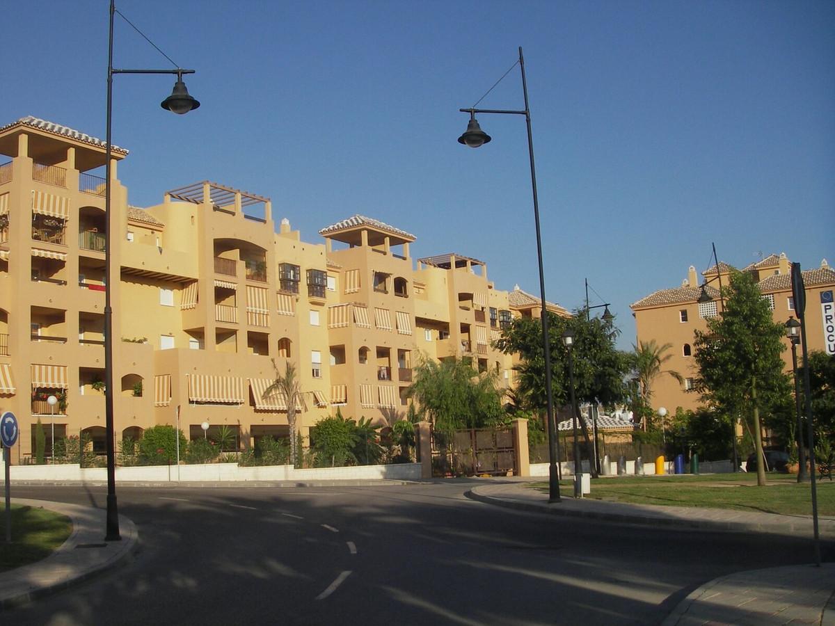 Middle Floor Apartment, Los Pacos, Costa del Sol. 3 Bedrooms, 2 Bathrooms, Built 111 m².  S,Spain