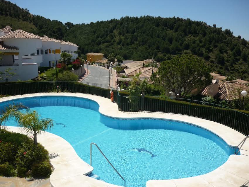 Townhouse, Mijas Costa, Costa del Sol. 4 Bedrooms, 3 Bathrooms, Built 233 m�, Terrace 46 m�.  Settin,Spain