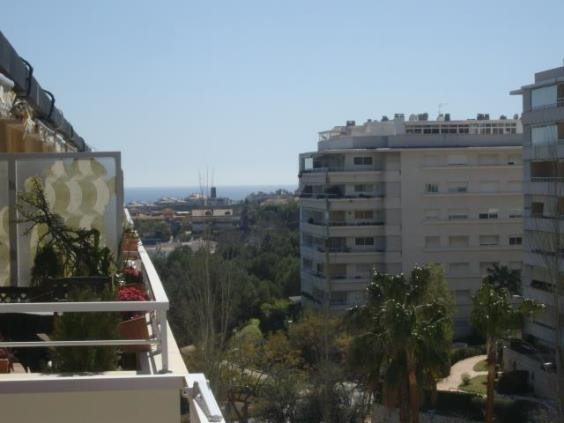 Nice penthouse in the centre of Arroyo de la Miel, but in quiet residencial complex, a short walk di,Spain