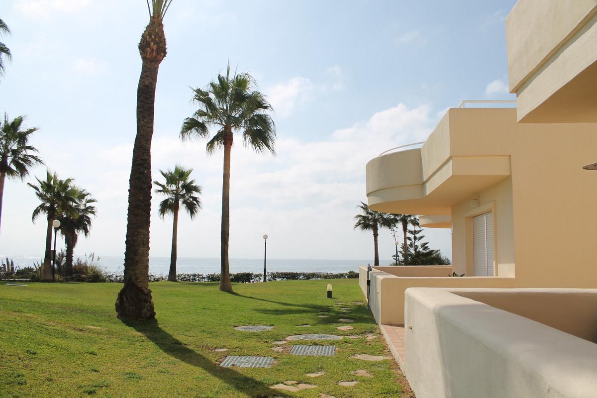 Ground Floor Apartment, Estepona, Costa del Sol. 2 Bedrooms, 2 Bathrooms, Built 115 m�, Terrace 50 m,Spain