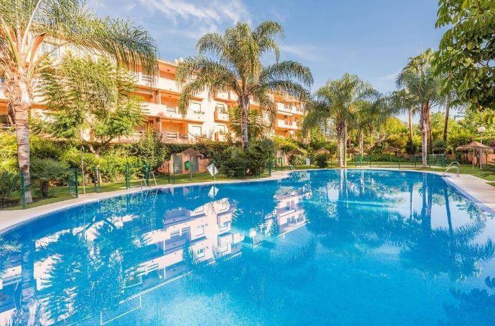 Apartamento Planta Media, Carib Playa, Costa del Sol. 2 Dormitorios, 2 Banos, Construidos 85 m², Ter,Spain