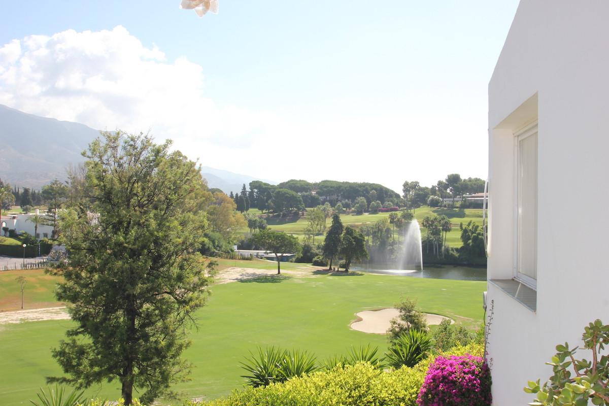 Frontline Golf 1 Bedroom 1 Bathroom Top Floor apartment situated in Nueva Andalucia - Marbella. Conv,Spain