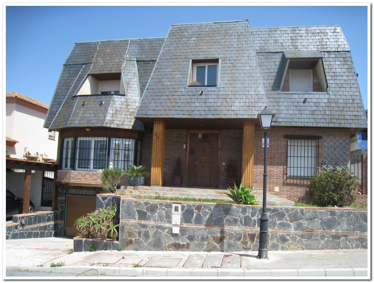 The Sierrezuela. Detached house for sale in the hills sierrezuela de mijas. It has 5 bedrooms and on,Spain