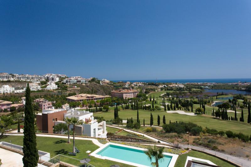 Fabulous 2 bedroom/2 bathroom garden apartment located in the magnificent front line golf developmen,Spain