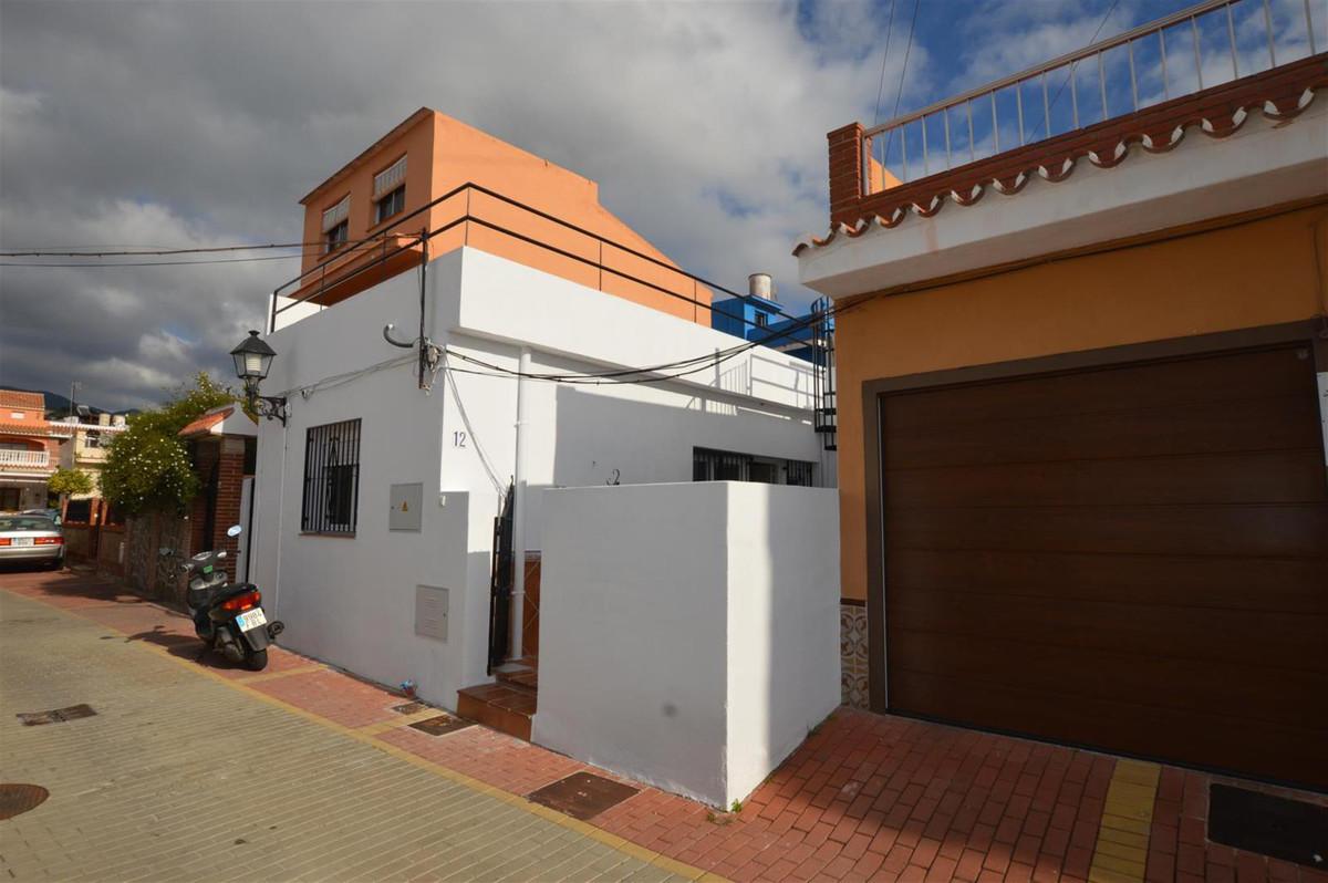 Villa - Chalet, Los Boliches, Costa del Sol. 2 Dormitorios, 2 Banos, Construidos 70 m², Terraza 128 ,Spain