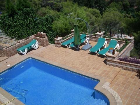 Detached Villa, Marbella, Costa del Sol. 4 Bedrooms, 4 Bathrooms, Built 380 m², Terrace 40 m², Garde,Spain