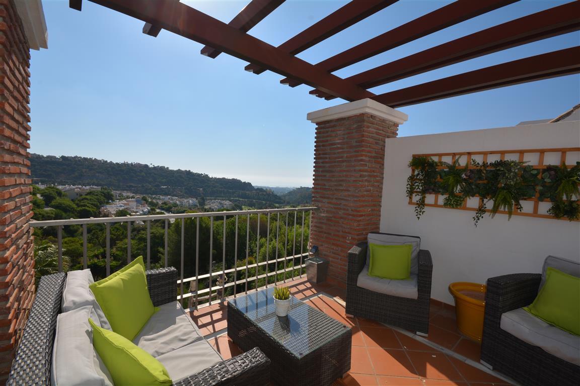 Los Arqueros Golf: 3 bedroom 2 bathroom penthouse with the gated community of Los Naranjos. Good siz,Spain