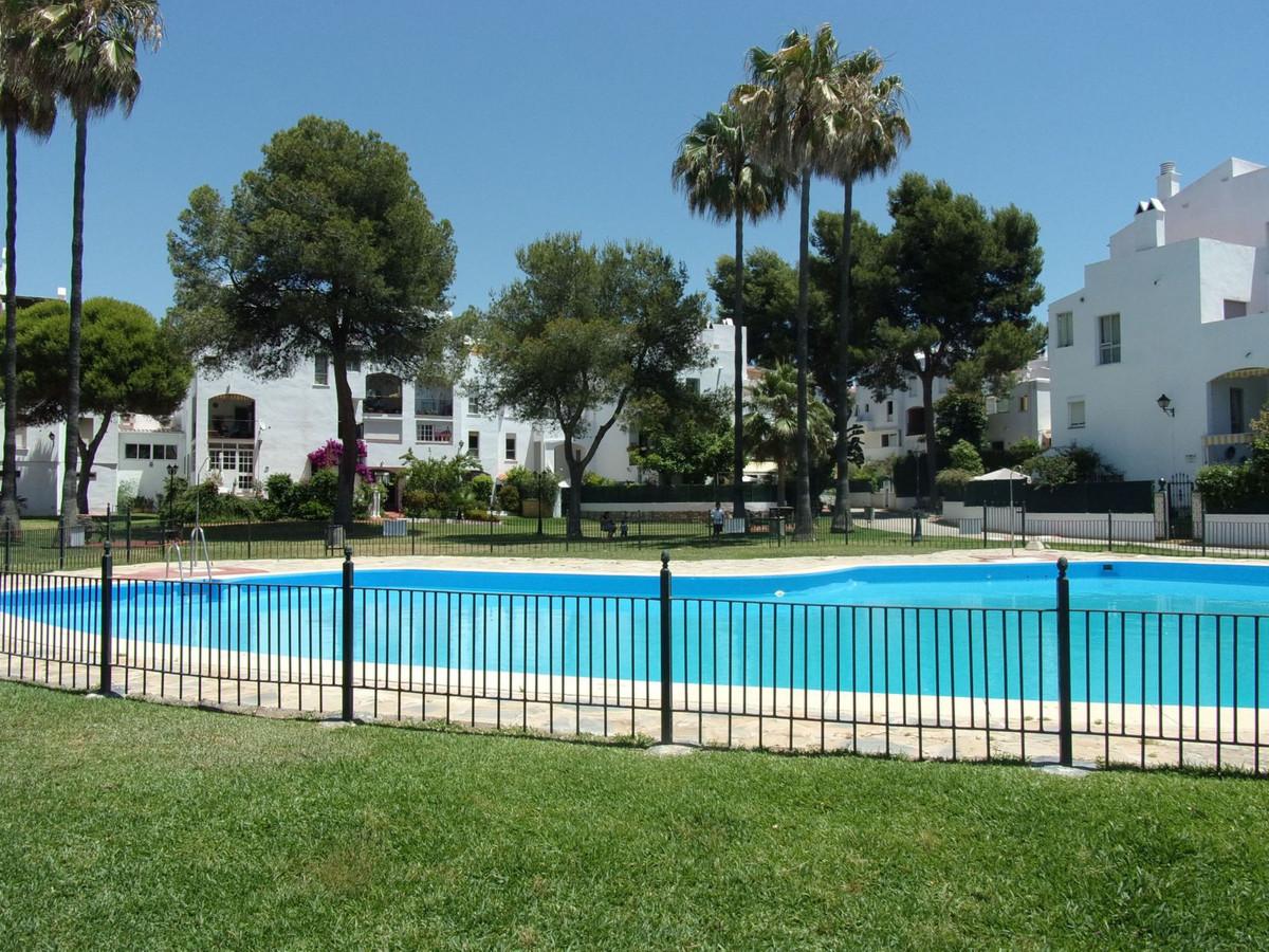 Middle Floor Apartment, Marbella, Costa del Sol. 3 Bedrooms, 2 Bathrooms, Built 98 m², Terrace 16 m²,Spain