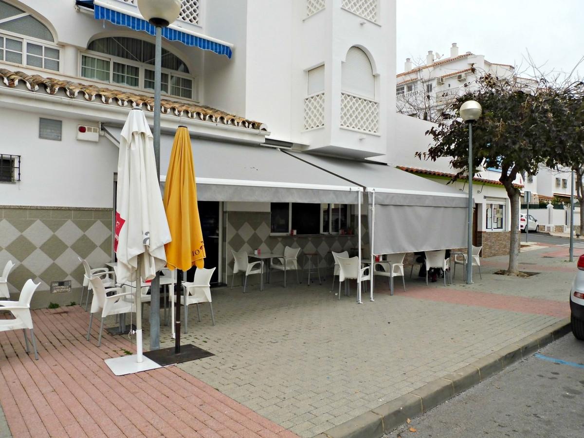 Commercial property for sale in Arroyo de la Miel, Benalmadena. This commercial property features an,Spain