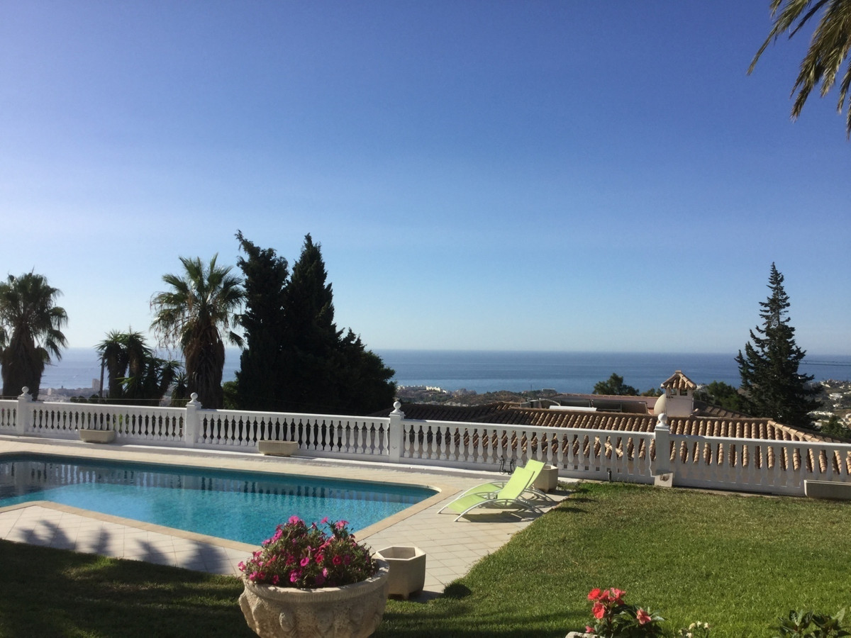 Detached Villa, Arroyo de la Miel, Costa del Sol. 5 Bedrooms, 4 Bathrooms, Built 617 m², Garden/Plot,Spain