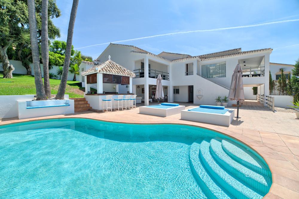 Nice partially renovated villa in a gated community in El Rosario, Marbella. It was originally built,Spain