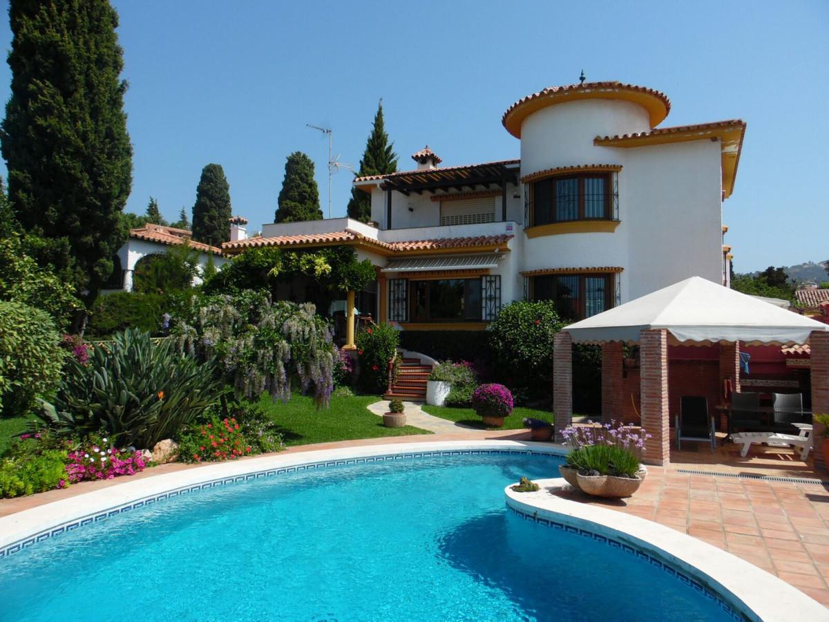 OPORTUNIDAD de adquirir una vivienda unifamiliar aislada e independiente con VISTAS AL MAR!!!.!!!  G,Spain