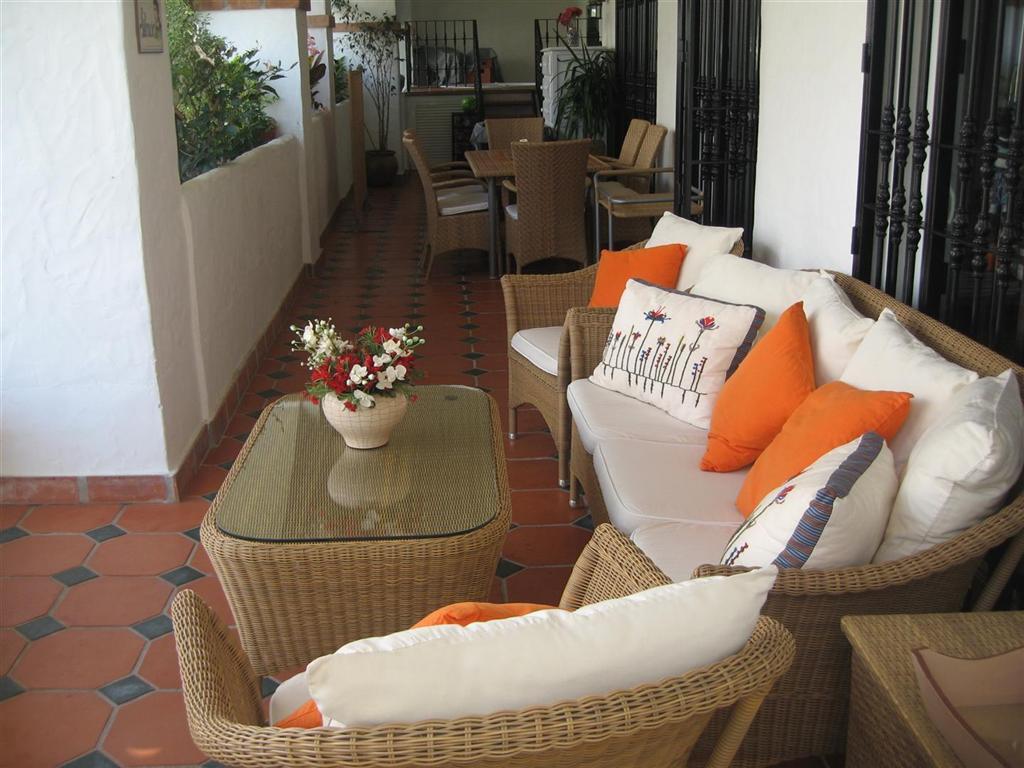 , Puerto Banus, Costa del Sol. 4 Dormitorios, 2 Banos, Construidos 302 m², Terraza 65 m².  Setting :,Spain