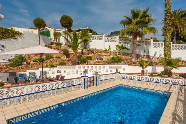 Originally listed at 500,000 € now reduced to 399,000€. Fabulous villa located in Arroyo de la Miel,,Spain