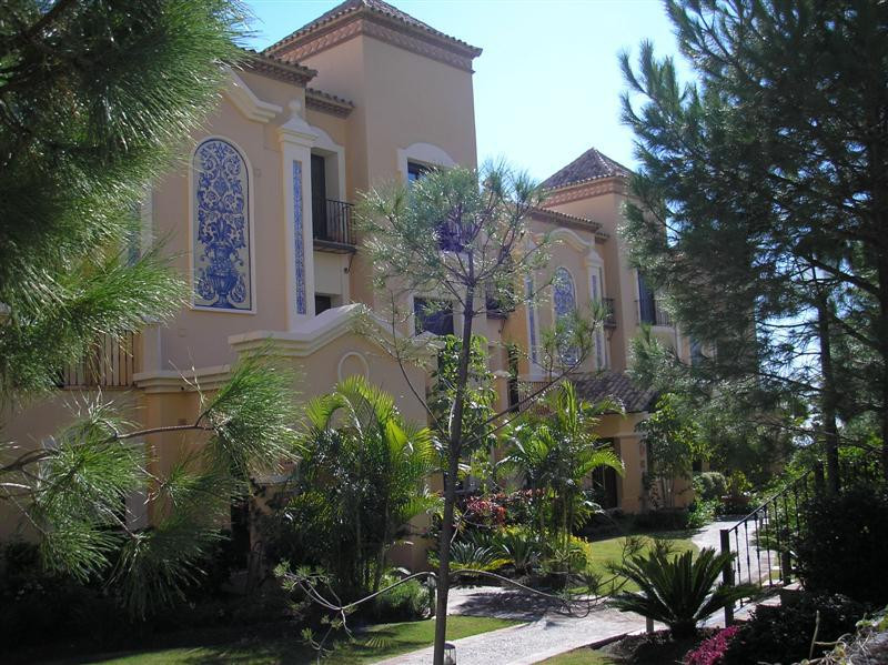 Exclusive 3 bedroom corner apartment in the best urbanisation of La Quinta Golf: Buenavista! A priva,Spain