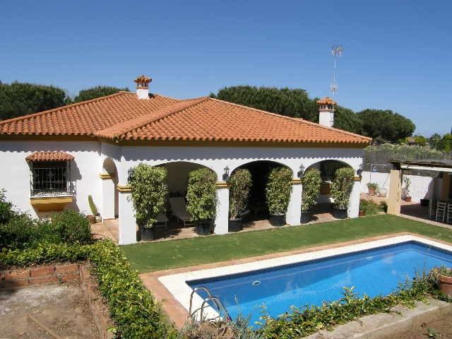 Sotogrande Alto: single level villa within the C zone of Sotogrande Alto. 4 bedrooms 3 bathroom and ,Spain