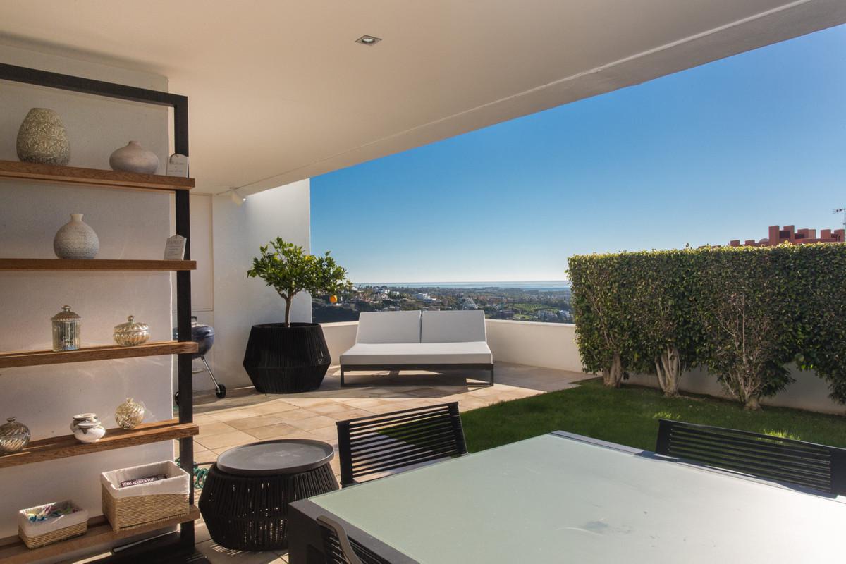 Beautiful contemporary apartment at the most discrete location in Alanda Flamingos. The south facingSpain