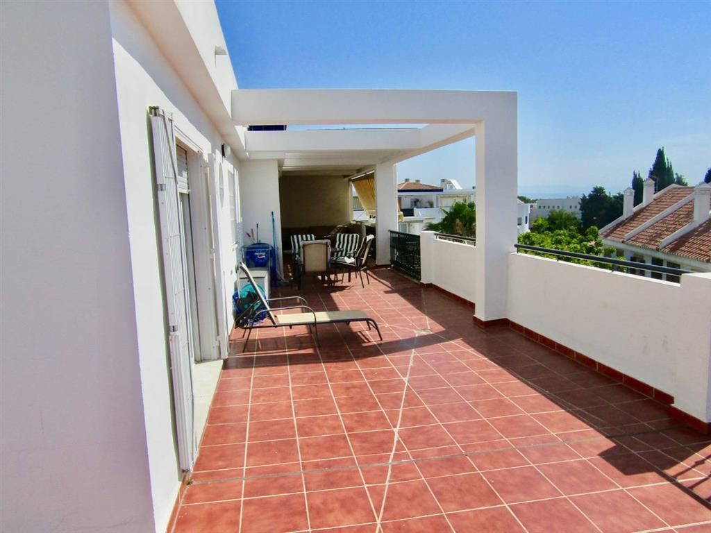 Penthouse, Montemar, Costa del Sol. 2 Bedrooms, 2 Bathrooms, Built 100 m², Terrace 110 m².  Setting ,Spain