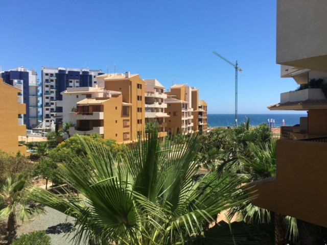 Apartamento con vistas al mar esta ubicado en la zona lujo y bonita de Punta Prima, urbanizacion Rec,Spain
