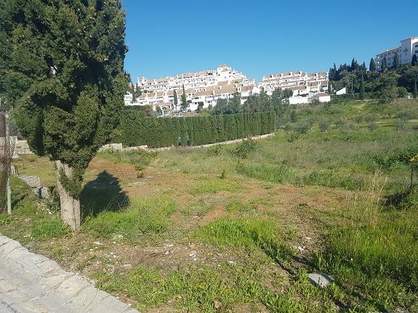 Plot plain semi in Mijas Golf urbanisation. 24 hour security, near restaurants, services and schools,Spain
