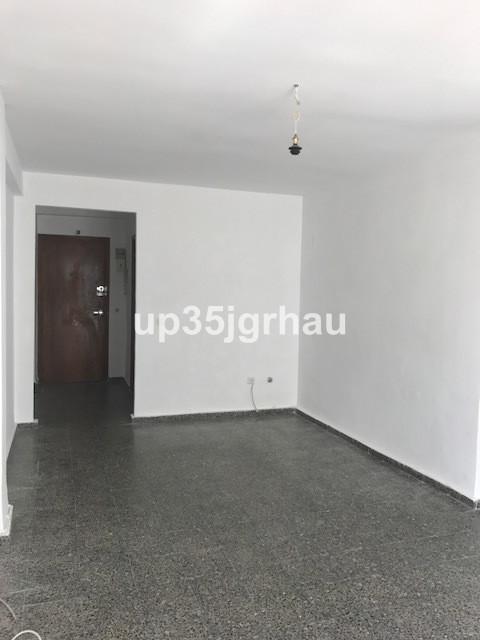 Nice flat and low price. best invertiment Middle Floor Apartment, Estepona, Costa del Sol. 3 Bedroom,Spain