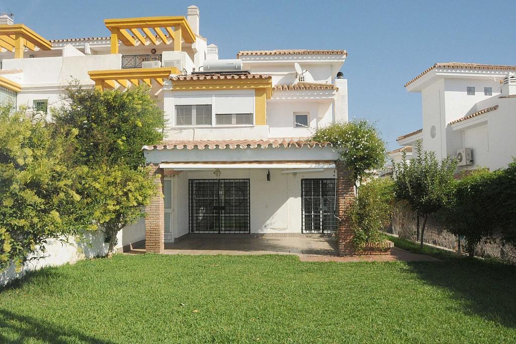 Corner townhouse with partial sea views, located in quiet urbanisation in Benalmadena Area. Bright p,Spain