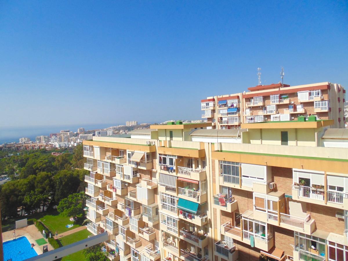 Studio apartment with fantastic views in the very popular Gamonal area of Benalmadena, walking dista,Spain