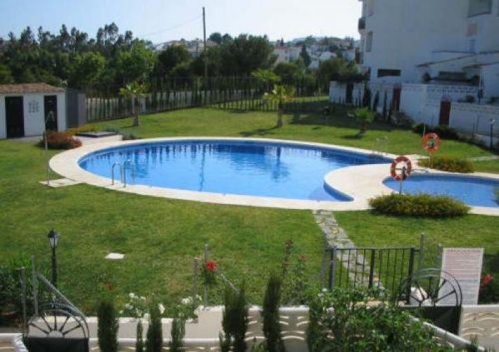 Duplex in Benalmadena. Distributed in 92m2 with 2 bedrooms, 1 bathroom plus 1 toilet, living room of,Spain