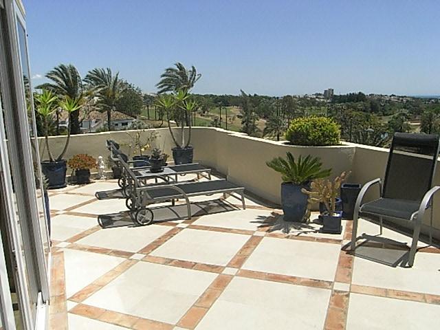 Exceptionally high quality, top floor apartment in Las Alamandas, Nueva Andalucia, light and bright ,Spain