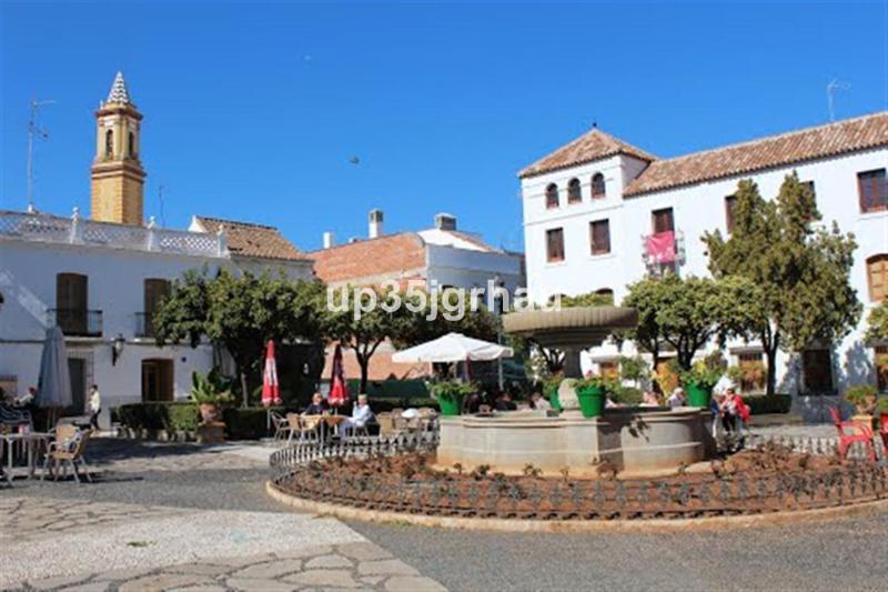 Middle Floor Apartment, Estepona, Costa del Sol. 4 Bedrooms, 2 Bathrooms, Built 120 m�, Terrace 10 m,Spain