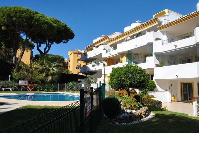 South-west facing spectacular penthouse, 3 beds, 2 baths, three terraces plus large roof terrace, op,Spain