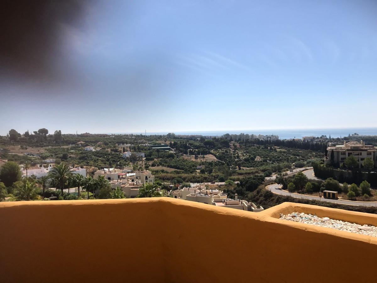 REservadooo   Middle Floor Apartment, Estepona, Costa del Sol. 2 Bedrooms, 2 Bathrooms, Built 90 m²,,Spain