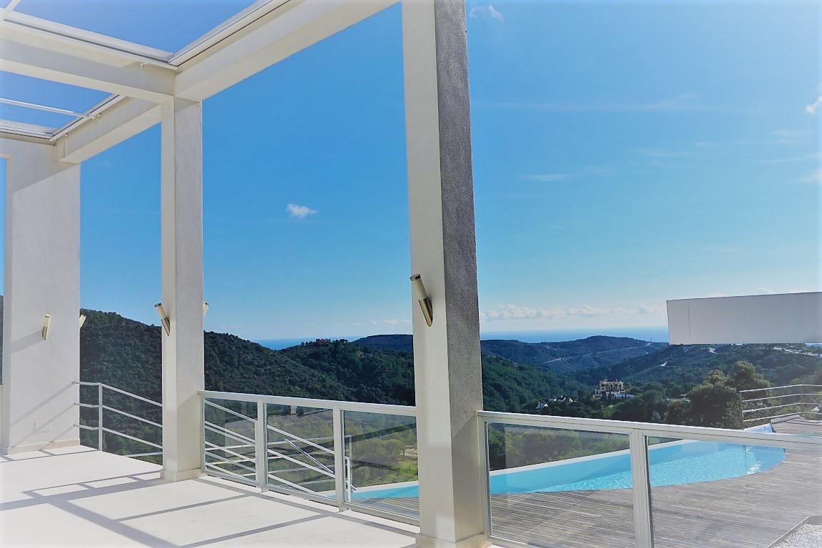 MODERN NEW BUILT VILLA FOR SALE, MONTE MAYOR GOLF, BENAHAVIS   Located in the prestigious Monte Mayo,Spain