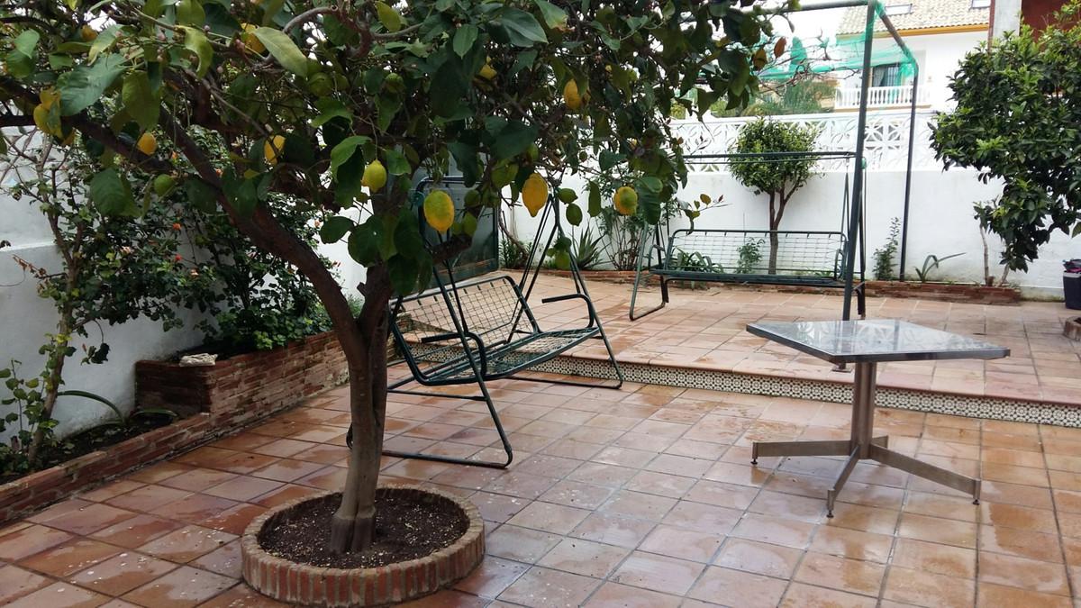 Semi-Detached House, San Pedro de Alcantara, Costa del Sol. 7 Bedrooms, 6 Bathrooms, Built 400 m², T,Spain