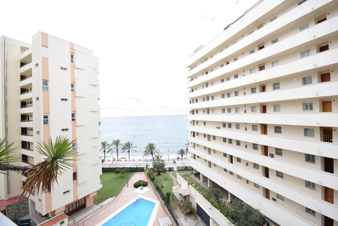 NICE STUDIO  FRONT LINE BEACH in the promenade of Marbella. Sea views. South orientation; 38 square ,Spain