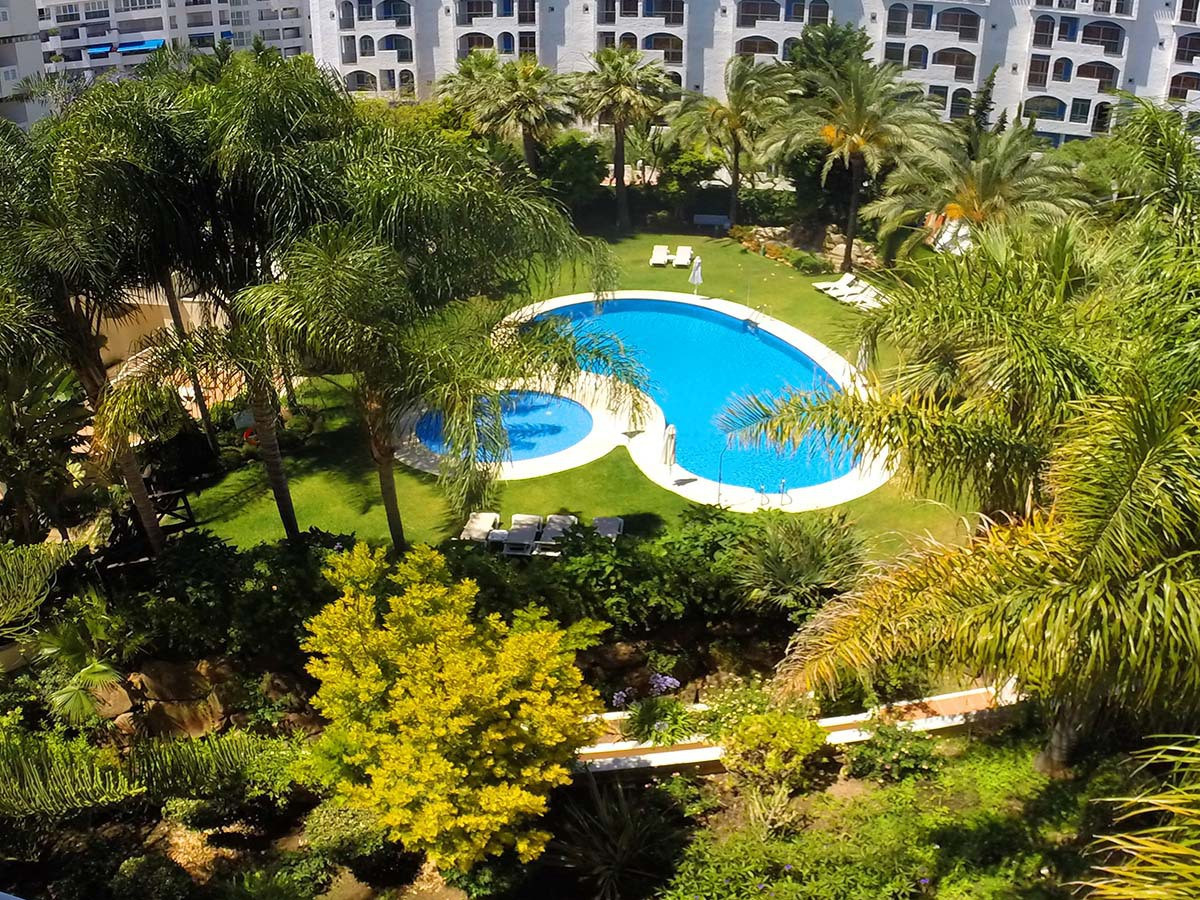 Spacious 3 bedroom apartment in Puerto Banus, Marbella. Fantastic apartment located in the heart of ,Spain