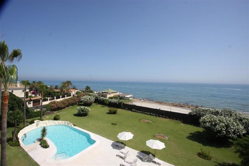 Duplex Penthouse for sale in Elviria beachfront, Marbella East, with 3 bedrooms, 2 bathrooms, 1 en s,Spain