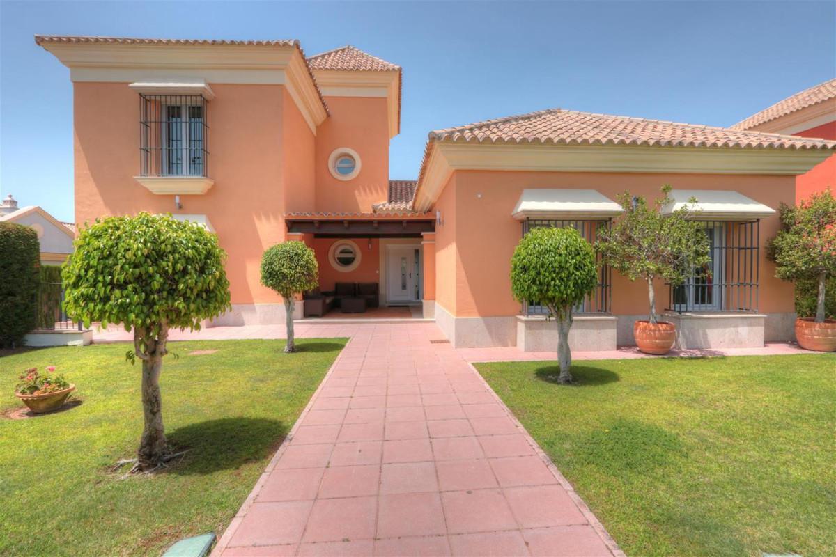 Beautiful family home located in the sought after area of Santa Clara.   Detached Villa, Santa Clara,Spain