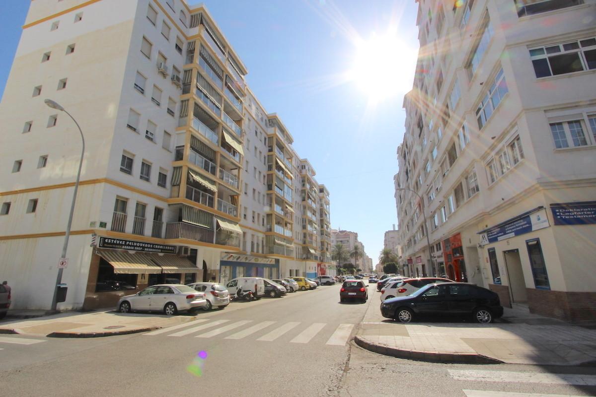 Middle Floor Apartment, Fuengirola, Costa del Sol. 3 Bedrooms, 2 Bathrooms, Built 110 m², Terrace 7 ,Spain