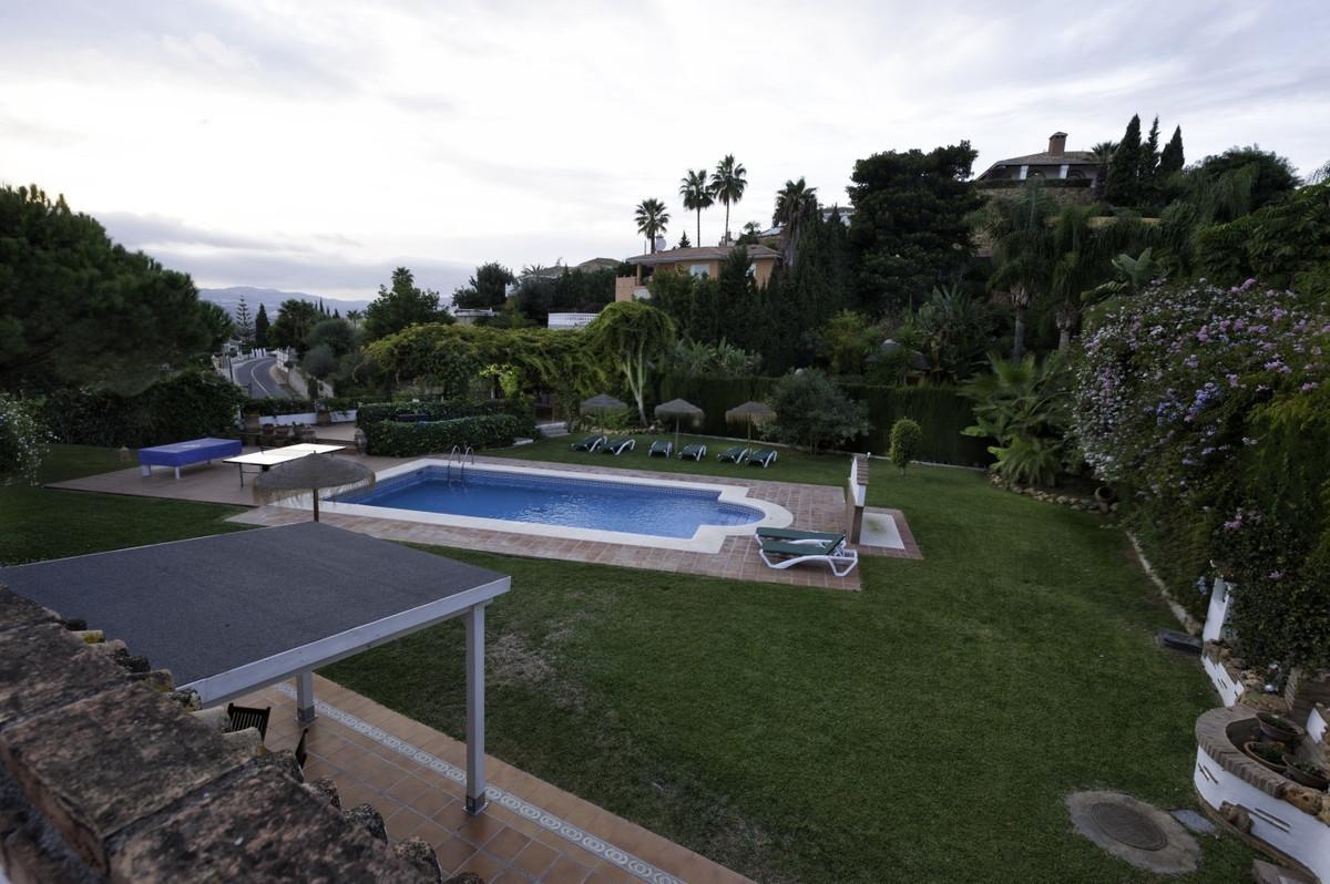 Stately villa in La Sierrezuela Mijas Costa. This stately villa is built on a plot of 2116m2. Its ma,Spain
