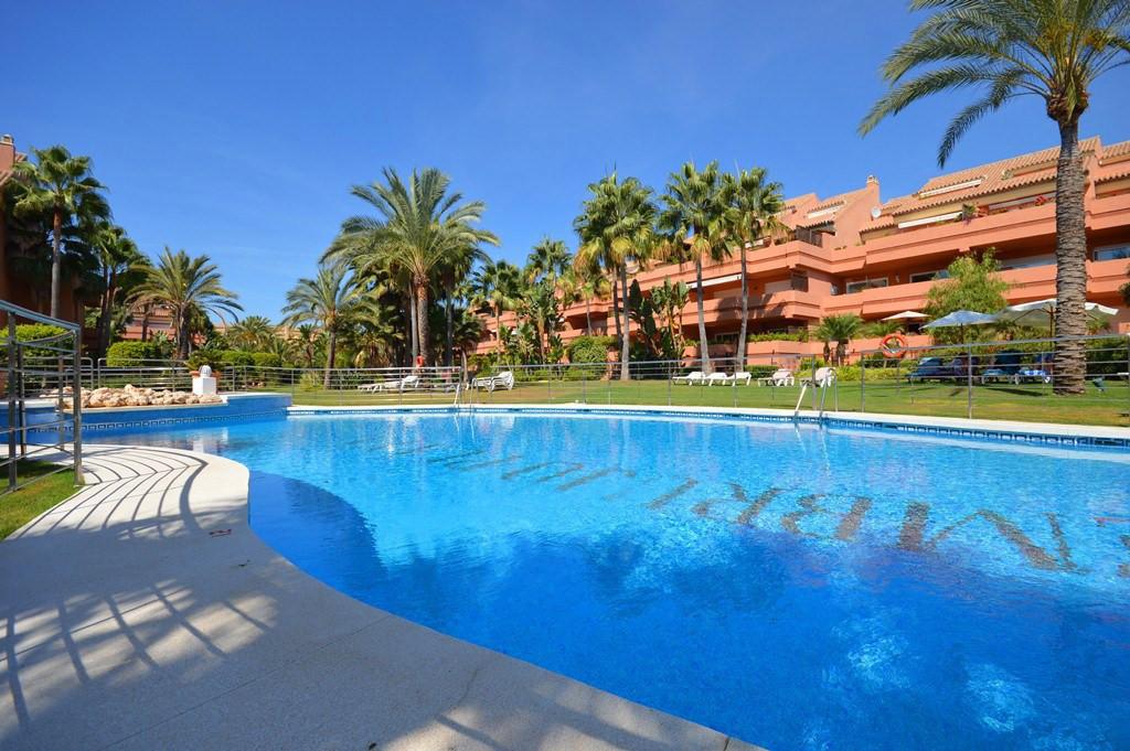 Fantastic 4 bedroom corner apartment in the exclusive development El Embrujo Playa. The apartment co,Spain
