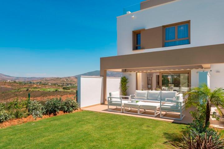 Townhouse, La Cala Golf, Costa del Sol. 3 Bedrooms, 2 Bathrooms, Built 268 m², Terrace 91 m².  Setti,Spain