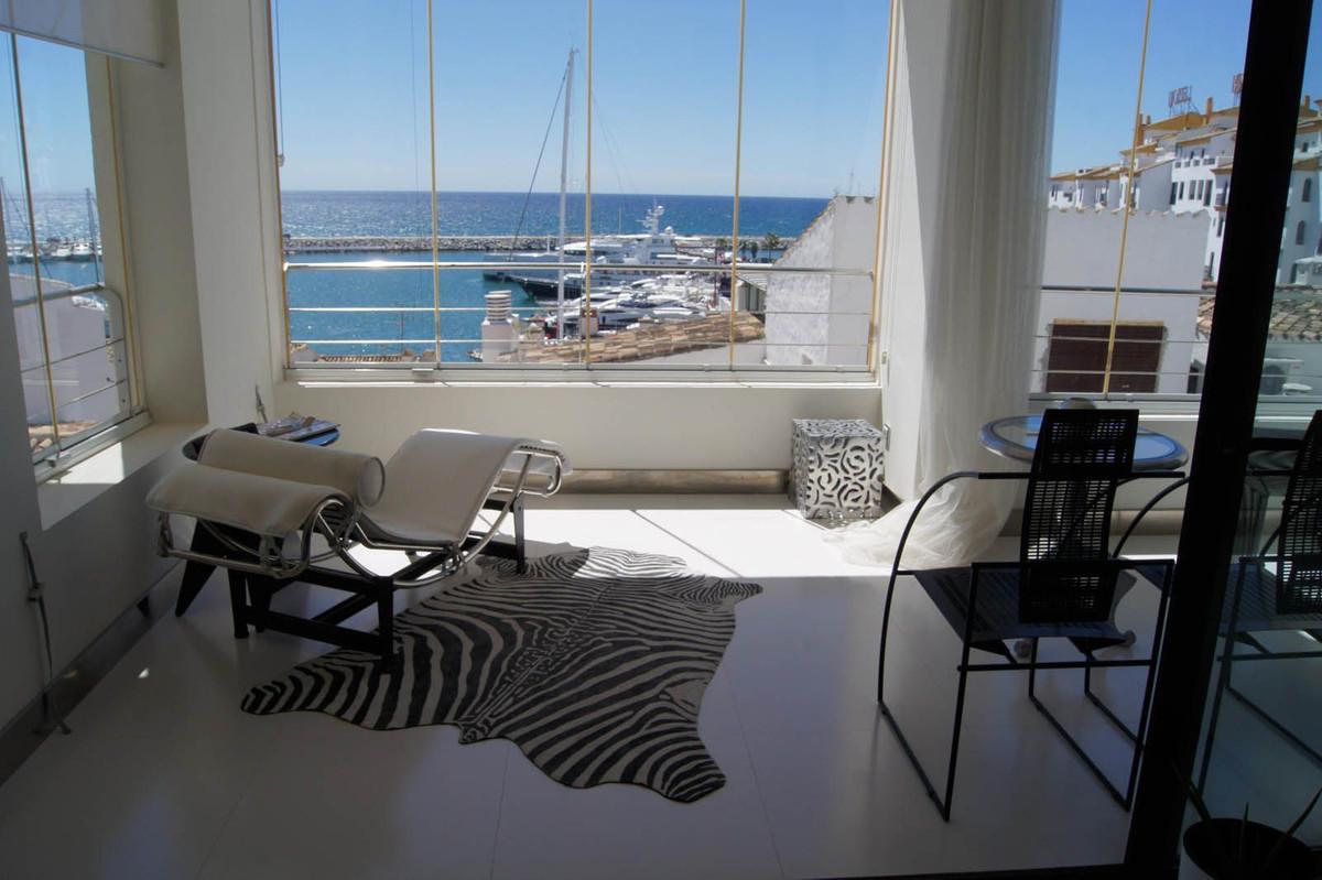 Penthouse, Puerto Banus, Costa del Sol. 2 Bedrooms, 2 Bathrooms, Built 104 m², Terrace 16 m².  Setti,Spain