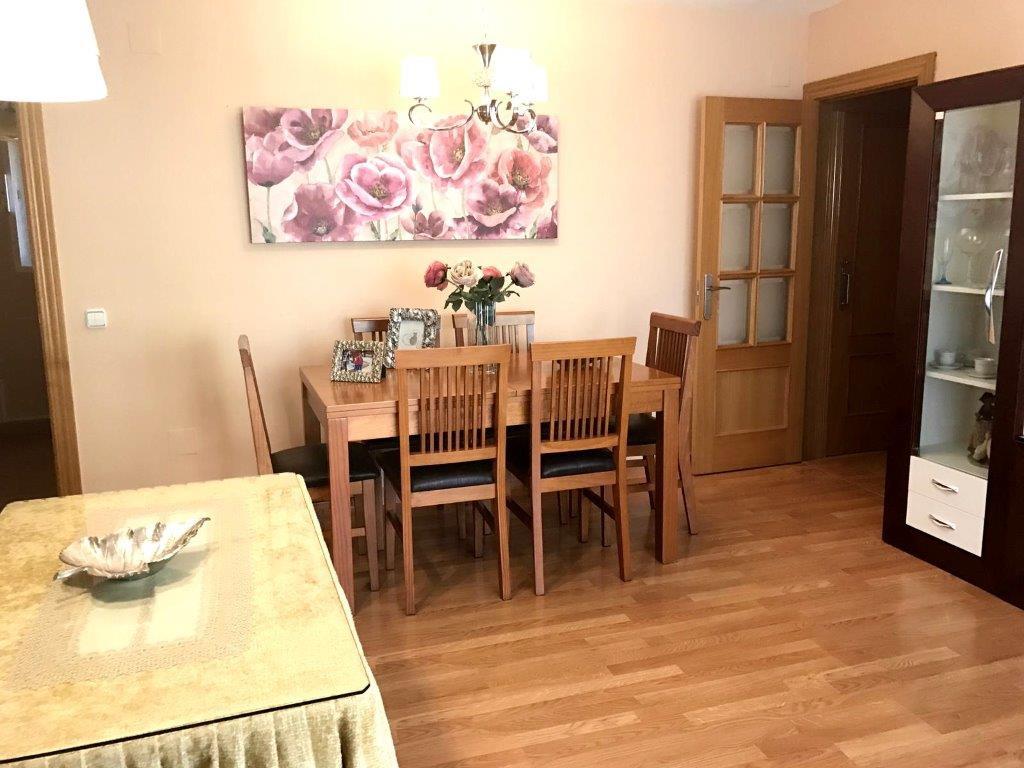 Middle Floor Apartment, Fuengirola, Costa del Sol. 4 Bedrooms, 2 Bathrooms, Built 90 m², Terrace 12 ,Spain