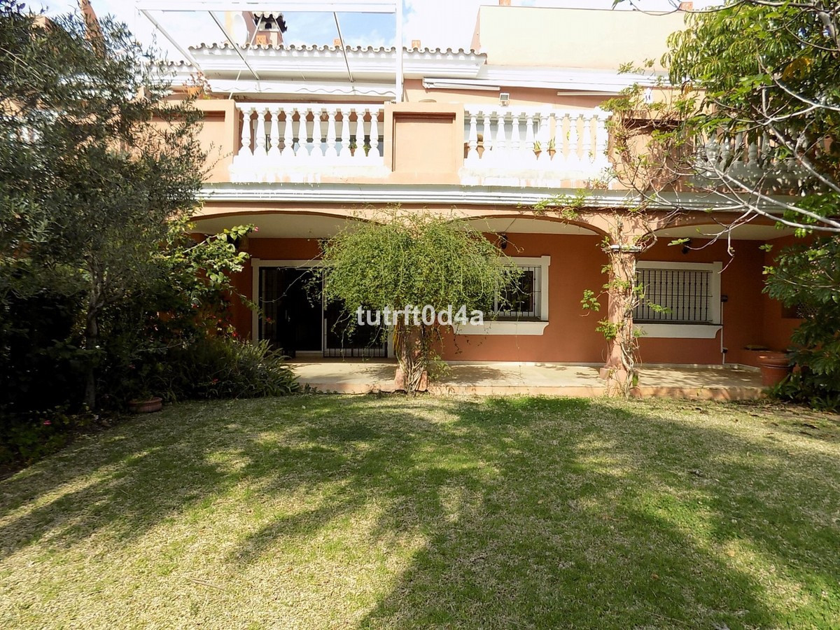 GROUND FLOOR GARDEN APARTMENT BEACHSIDE NEW GOLDEN MILE  This beachside apartment is a spacious grou,Spain