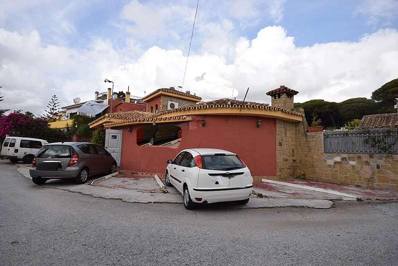 Disco for sale  in urbanization near Marbella town 300 m2.,Spain