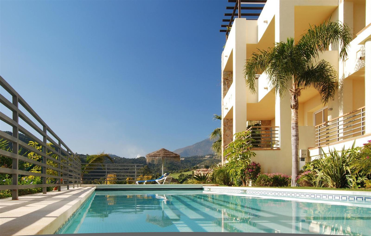 Puerto del Almendro, Benahavis. Penthouse 4 beds for sale. Penthouse for sale in Puerto del Almendro,Spain