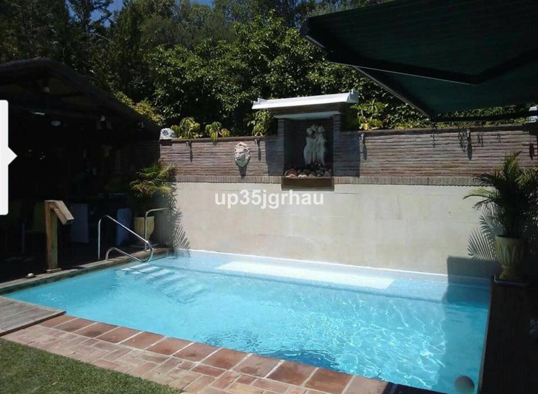 Ground Floor Apartment, Estepona, Costa del Sol. 3 Bedrooms, 3 Bathrooms, Built 135 m².  Setting : C,Spain