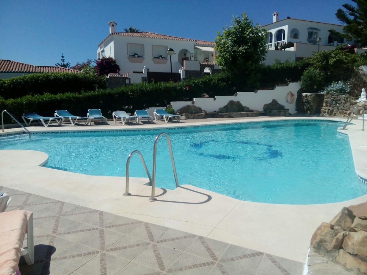 Ground Floor Apartment, La Duquesa, Costa del Sol. 2 Bedrooms, 1 Bathroom, Built 100 m², Terrace 15 ,Spain